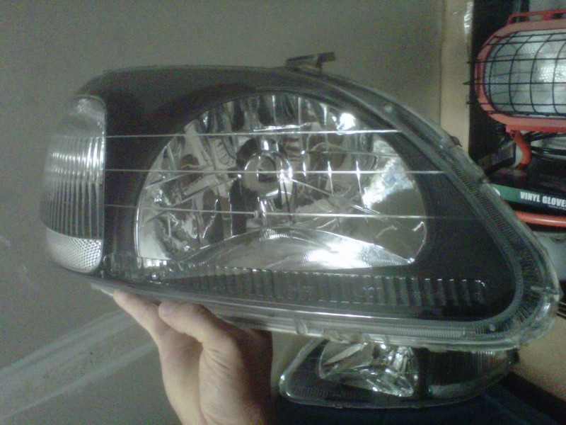 Click image for larger version  Name:headlightsbefore.jpg Views:955 Size:109.6 KB ID:33018