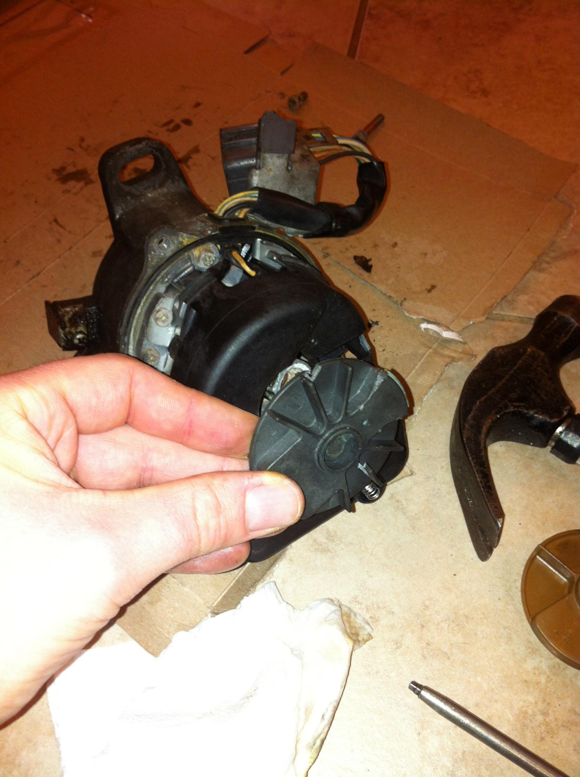 Click image for larger version  Name:Remove the old rotor.jpg Views:800 Size:441.0 KB ID:34076